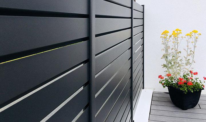 Durabilité des portails et clôture en aluminium