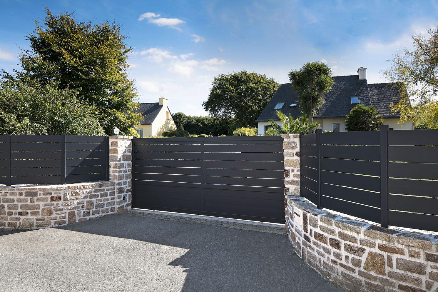 5 étapes pour réussir son projet d'installation de portail de jardin