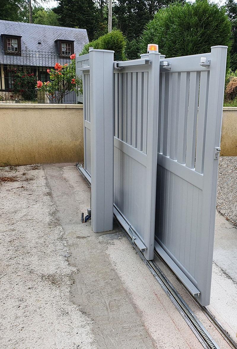 portail coulissant télescopique aluminium par Kostum